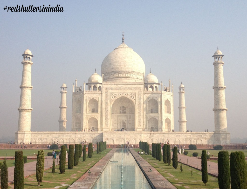 An early morning picture of the stunning Taj Mahal